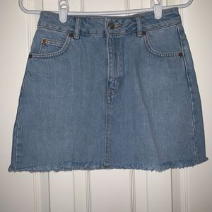Topshop Denim Mini Skirt (never worn!!!!)